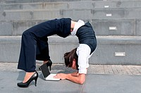 Flexible business _ woman with laptob