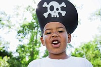 Portrait of boy 5-6 wearing pirates hat (thumbnail)