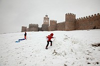 Snowy day outside the walls of Ávila  Castile and Leon  Spain