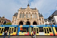 Tram in front of the town hall, Fischmarkt square, Erfurt, Thuringia, Germany, Europe
