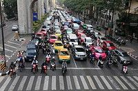 Traffic, Ratchaprasong shopping district, Bangkok, Thailand, Southeast Asia, Asia
