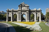 Puerta de Alcal&#225; in Madrid, Spain