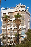 Israel, Tel Aviv, sea front near Ha´Azma´ut Garden, building inspired by architect Antoni Gaudi