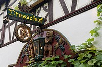Germany, Hesse, Rudesheim am Rhein, sign in Drosselgasse