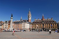 France, Nord, Lille, Place du General de Gaulle or Grand Place with the statue of the goddess on his column and the belfry and the old stock exchange