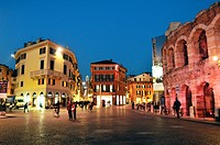 Italy, Veneto, Verona, listed as World Heritage by UNESCO, the Verona Arena on Piazza Bra, ancient Roman amphitheater built in 30 after J_C