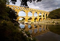 The Pont Du Gard aqueduct in France (thumbnail)