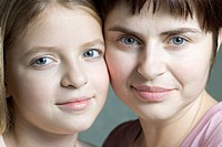 Mother and daughter portrait (thumbnail)