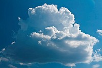 beautiful surround a white cloud against the blue sky saturated