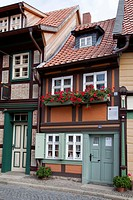 Kleinstes Haus building, literally the smallest house, Kochstrasse street, Wernigerode, Harz mountain range, Saxony-Anhalt, Germany, Europe, PublicGro...
