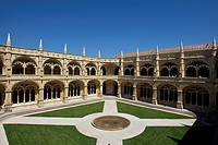 Two-storey cloister, Claustro, Mosteiro dos Jeronimos, Hieronymites Monastery, UNESCO World Heritage Site, late Gothic style, Manueline, Belem, Lisbon...