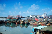 Crowed ships in Beihai´s port.