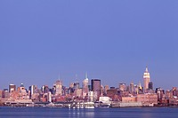 Midtown West.View of Manhattan´s midtown west skyline from the Hudson river during dusk.