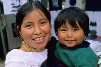 Ecuador, Otavalo, mother & child