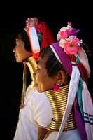 Profiles of two Longneck women Approximately 300 Burmese refugees in Thailand are members of the indigenous group known as the Longnecks The largest o...