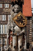 Roland statue with a shield bearing the double_headed eagle crest of the empire, 1404, Market Square, Bremen, Germany, Europe