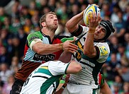 12 05 12 The Stoop, London, ENGLAND: Chris Robshaw of Harlequins and Roger WILSON of Northampton Aviva Premiership Play_Off Semi_Final Harlequins and ...