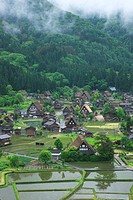 Gassho_style Minka homes in Shirakawa_go