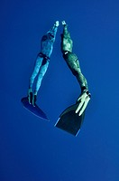 The romantic simultaneous freedive into the depth