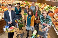 Portrait of people in supermarket (thumbnail)