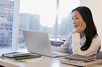 Asian businesswoman at modern office