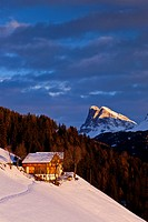 Mountain farm, Peitlerkofel mountain, Dolomites, province of Bolzano-Bozen, Italy, Europe