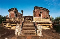 Sri Lanka - Ancient City of Polonnaruwa (UNESCO World Heritage List, 1982). The Vatadage or Circular relic house.