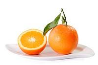 Eineinhalb Orangen _ Fresh Oranges on a Plate