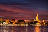 Wat Arun, Temple of Dawn, Chao Phraya River, sunset, dusk, Bangkok, Thailand, Asia