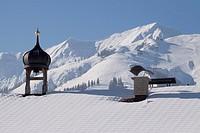 Snow-covered roof in a winter landscape, Achenkirch, Achensee, Christlum ski resort, Alps, Tyrol, Austria