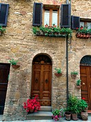 The town of Pienza is a small pearl in the Tuscan countryside. This fantastic town was declared an UNESCO World Heritage Site in 1996 and in 2004 the ...