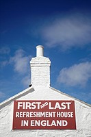 England, Cornwall, Land´s End. The First and Last Refreshment House in England at Land´s End.