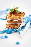 Chicken burgers with dried tomatoes