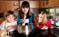 Children cooking (thumbnail)