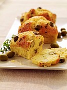 Olive and thyme mini savoury cakes