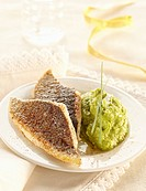 Crisp fried bass fillets with nutmeg,zucchini puree