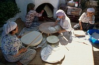 Family breadmaking