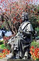 Die Statue von Kolumbus im Stadtzentrum von Funchal auf der Blumeninsel Madeira, Portugal.