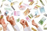 Viele Hände greifen nach fliegenden Euro_Banknoten