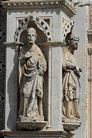 Statues on the Loggia of the Palazzo Pubblico palace, Piazza del Campo square, Siena, Italy, Europe