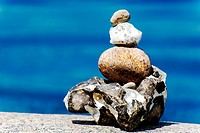 Cairn on the beach in front of blue water, Timmendorf on the Island of Poel, Mecklenburg-Western Pomerania, Germany, Europe