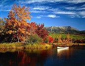 USA, Maine, Baxter State Park, river in autumn