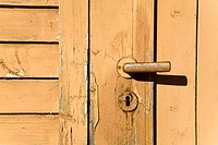 Closed wooden door (thumbnail)