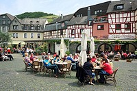 D-Bernkastel-Kues, health spa, Moselle, Middle Moselle, Rhineland-Palatinate, Karlsbader Platz, Karlsbad square, half-timbered houses, people sitting ...