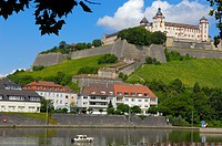 Marienberg Fortress and Main River, Würzburg, UNESCO World Heritage Site, Romantische Strasse (Romantic Road), Franconia, Bavaria, Germany, Europe