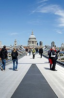 Millennium Bridge and St. Paul's Cathedral in London, Southern England, England, United Kingdom, Europe