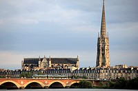 France, Aquitaine, Bordeaux, Pont de Pierre, Basilique St-Michel,