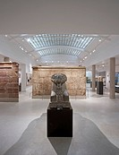 Egypt Galleries, Ashmolean Museum, Oxford, United Kingdom. Architect: Rick Mather Architects, 2011. View from Sackler Gallery to Christian Levett Fami...
