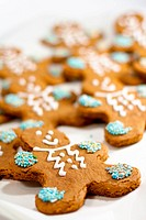fresh baked gingerbread men cookies