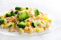 chicken meat with broccoli, chick peas and potatoes